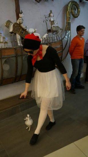 В фойе Театра кукол