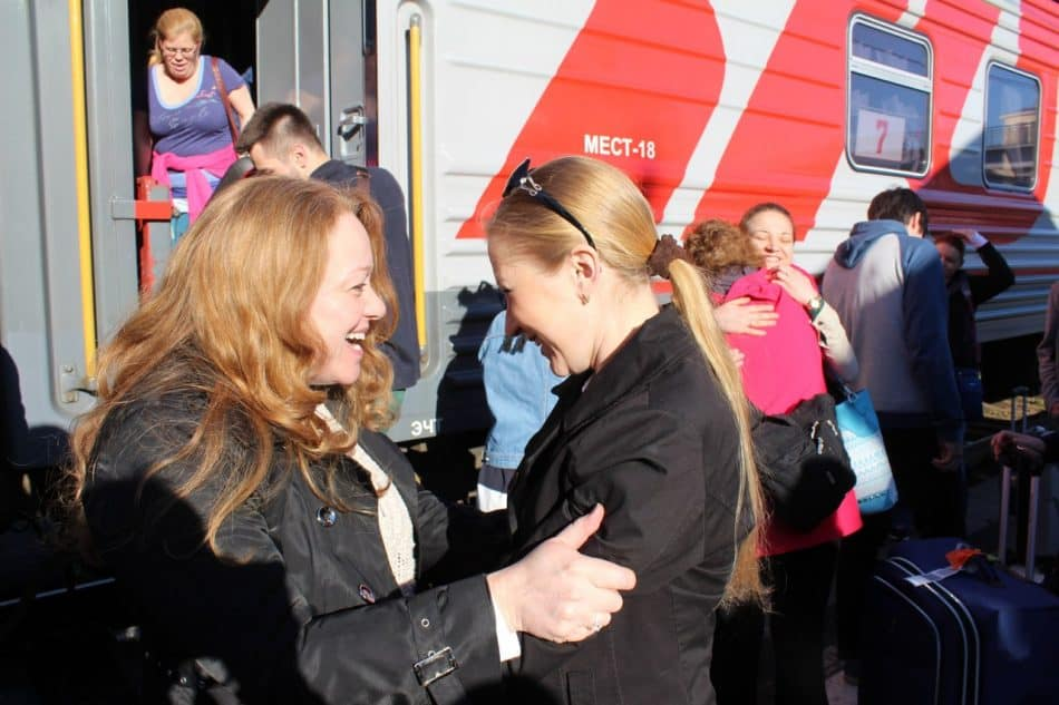 Утренняя встреча питерского поезда, май 2015 года