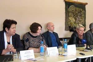 На пресс-конференции в Доме актера