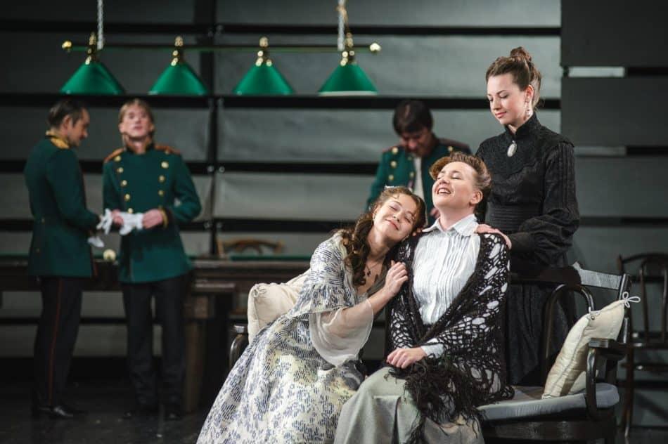 """Национальный театр Карелии. """"Три сестры""""."""