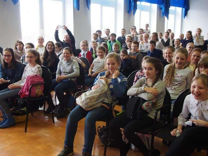В Финно-угорской школе Петрозаводска состоялась презентация новой книги известного детского писателя Игоря Вострякова