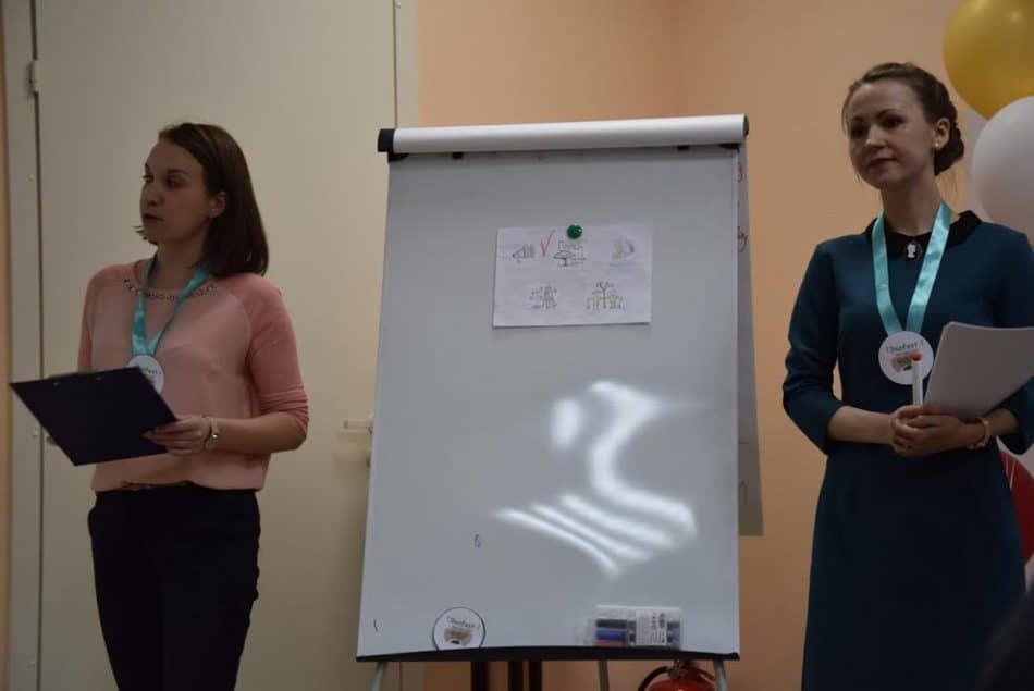 Надежда Агеева (справа) и Мария Туцына