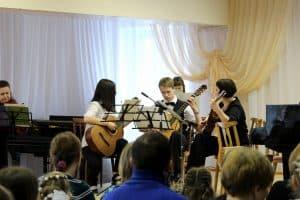 Преподаватели-музыканты выступили вместе со своими учениками