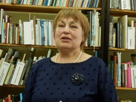 Презентацию открывает заведующая отделом краеведения Е.П. Романова