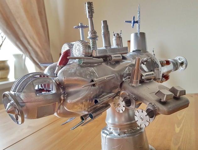 1 место – Валерия Распутина. «Космический корабль «Тысячелетний сокол»