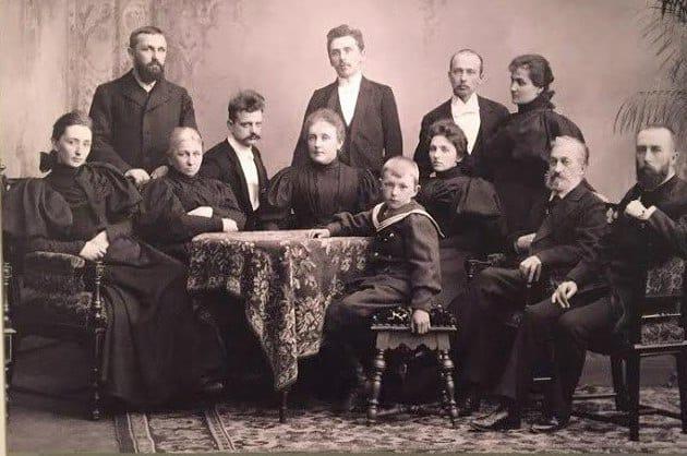 Семья Ярнефельт