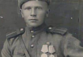 Александр Гладков. Фото 1944 года