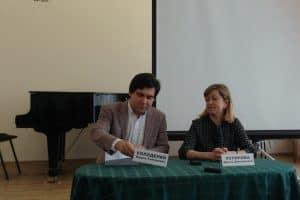 Вадим Холоденко и Ирина Устинова на пресс-конференции в Карельской филармонии