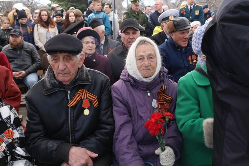 Почетные гости праздника. Фото Владимира Ларионова