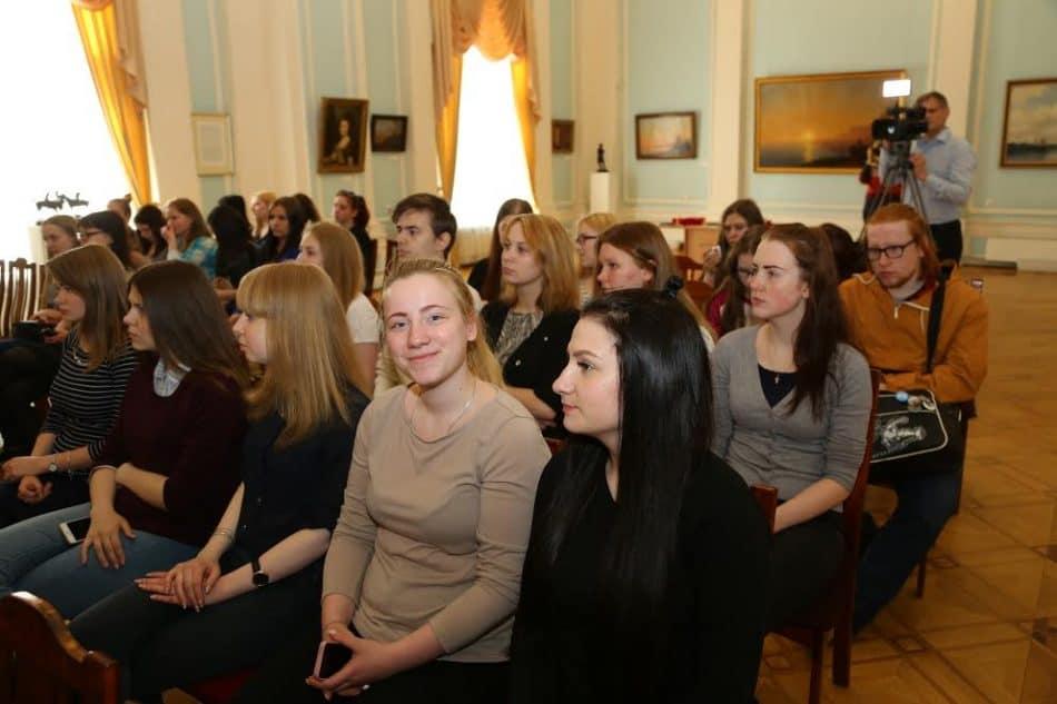 Музей изобразительных искусств РК совместно с фондом «Мельница» подвел итоги проекта «Шерстяное тепло