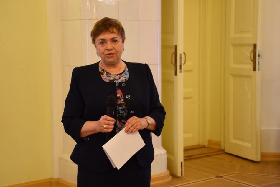 Алла Витухновская, ученица Фрадкова, тоже стала педагогом, только вузовским