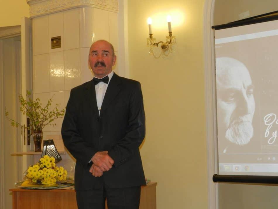 Владимир Малегин со своих школьных лет и до конца жизни Исаака Самойловича был с ним рядом. Вместе в 90-е они создавали Дом детского творчества