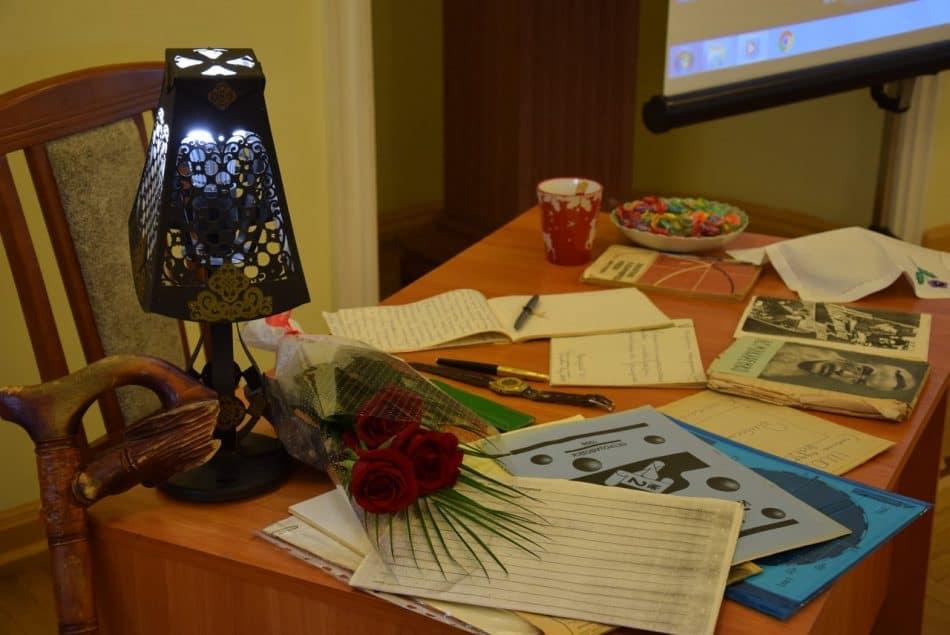 Реконструкция рабочего стола Исаака Самойловича