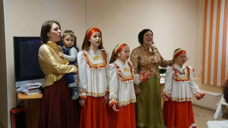 театр народной песни Карусель»