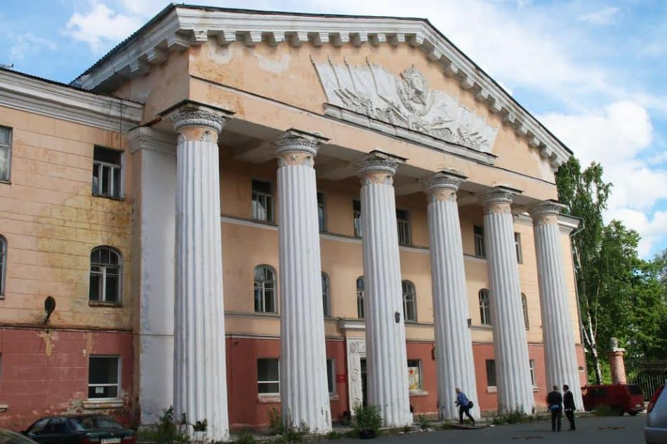 Дом офицеров в Петрозаводске, июнь 2017 года. Фото пресс-службы правительства РК