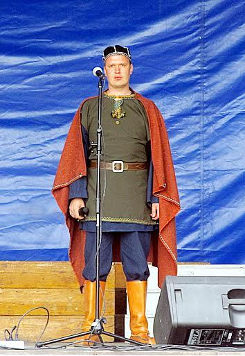 Единственный в России поющий на карельском языке рэпер Ондрей, он же артист Национального театра Андрей Горшков
