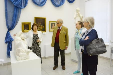 Питер Нобель знакомится с экспозицией Музея изобразительных искусств
