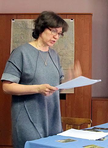 Разговор за круглым столом открыло выступление начальника отдела научно-справочного аппарата архива Натальи Власовой