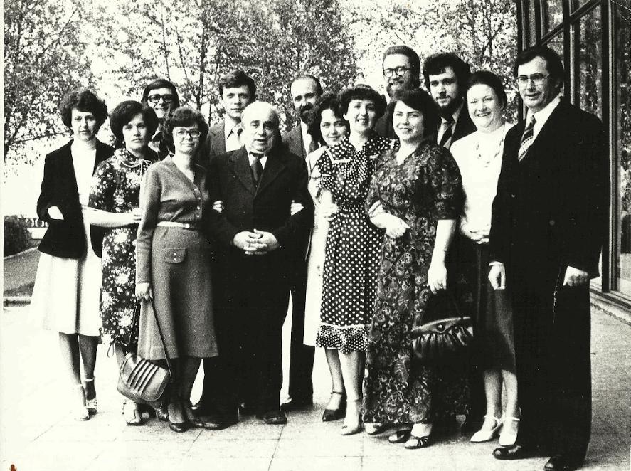А.Л. Витухновски со студентами. Выпуск 1971 года