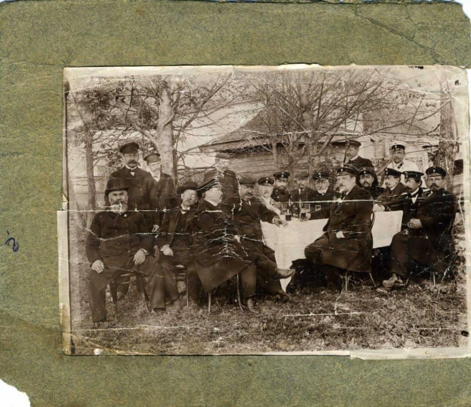 Фотография членов Лодейнопольской земской управы (до реставрации)