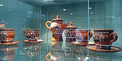 Сохранившиеся в коллекции музея образцы керамики Прионежского промкомбината