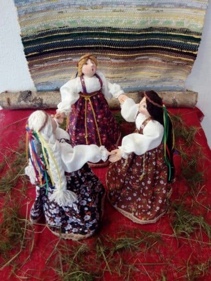 """Фрагмент экспозиции """"Хоровод"""". Фото Дома куклы"""