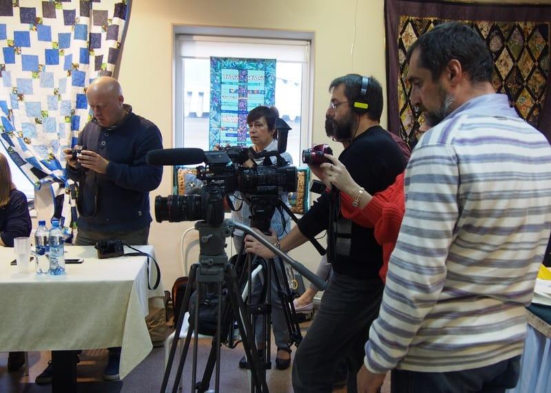 Брифинг собрал много журналистов, приехали они даже из Петербурга