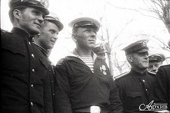 Уникальные кадры - участники митинга в Петрозаводске 9 мая 1945 года