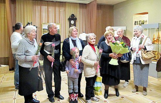 Почетными гостями вернисажа были потомки крестьян Кижской волости, тех, о ком рассказывает выставка
