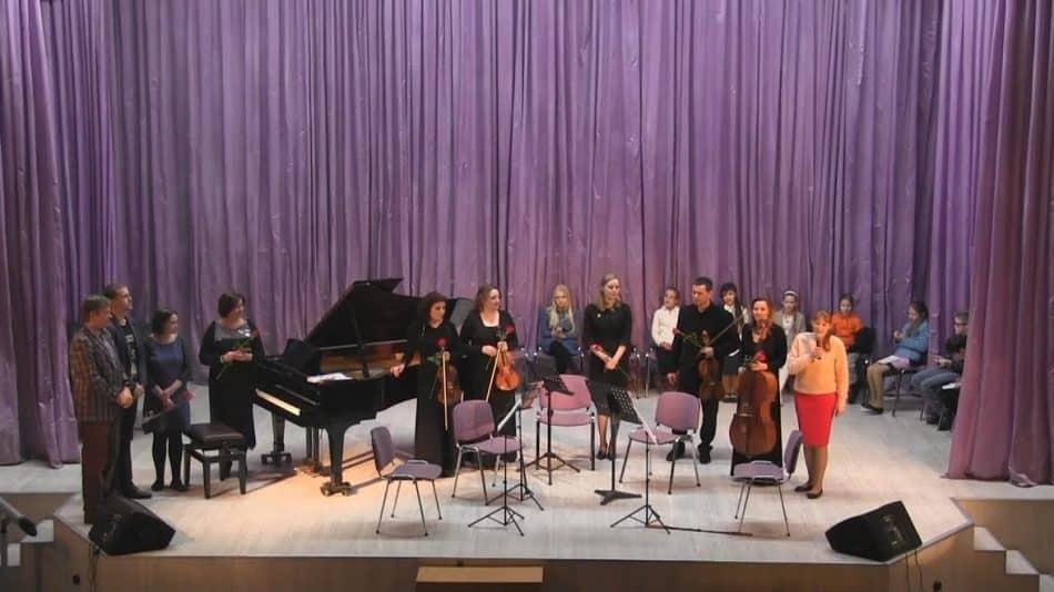 Открытый фестиваль-конкурс юных композиторов «Музыка – моя душа» в этом году в 9-й раз провели в ДМХШ. Фото Анны Афанасьевой