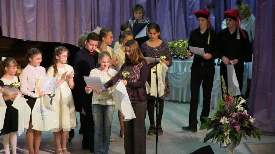 В прошлом году в ДМХШ уже в пятый раз прошел международный фестиваль-конкурс юных пианистов «Мир и музыка. Россия и Польша». Фото ДМХШ