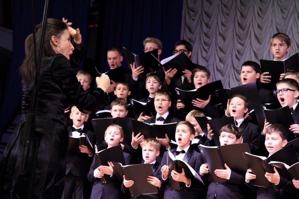 На VII Международном хоровом фестивале-конкурсе «Vivat, мальчишки!» в ноябре 2016 года. Фото kultura.ptz.ru