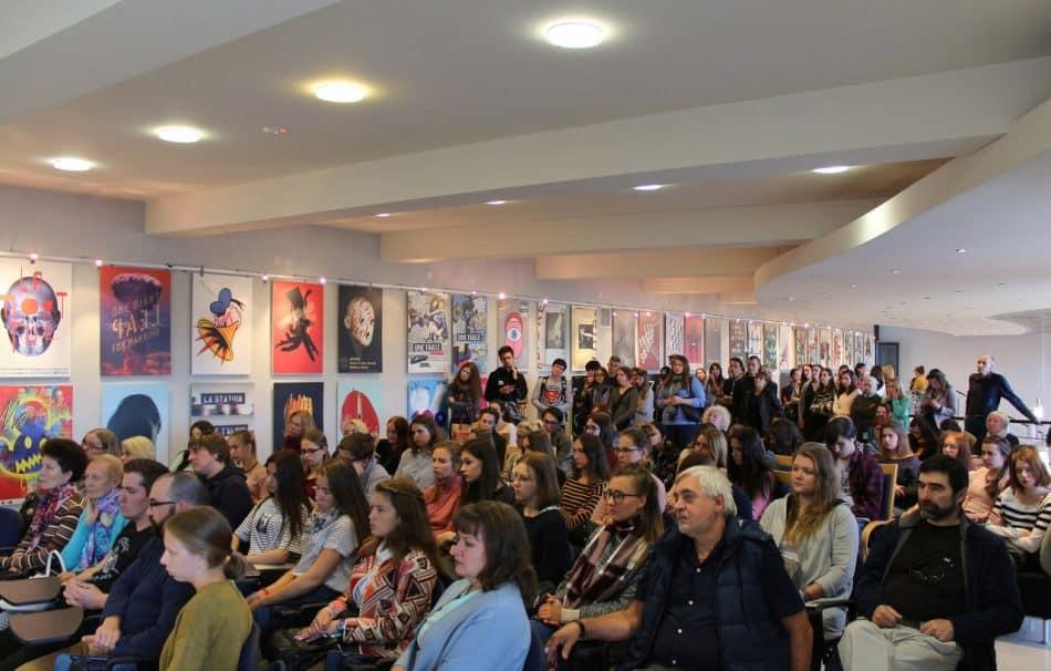 Выставка французского плаката. Фото Национального театра РК