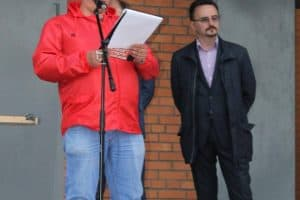 Зачитывается резолюция митинга. Фото со страницы в ФБ  Павла Богданова