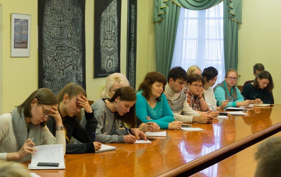 Сборная волонтеров Карелии побывала в Национальном музее Карелии, где ребята узнали важные исторические факты о регионе, главных достопримечательностях
