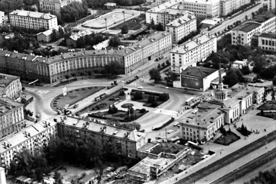 Площадь Гагарина в начале 1980-х. Фото Бориса Семенова