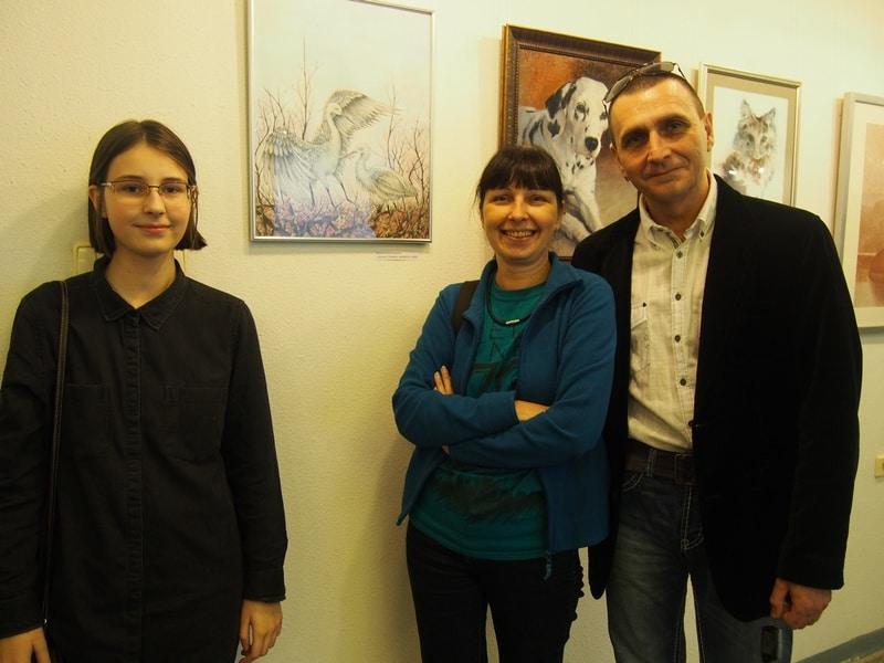 Юная Ксения Военушкина с родителями