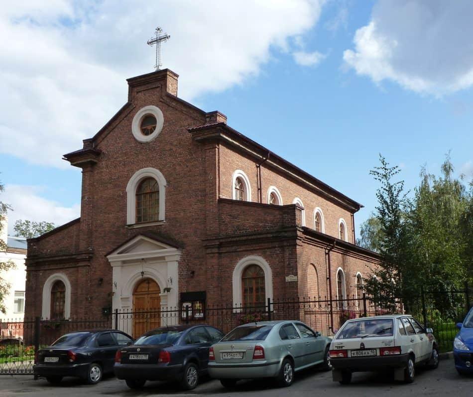 Католический костел. С фотографии Г. Рябкова