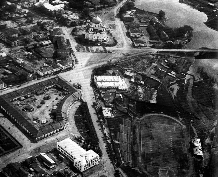 Гостиный двор и Соборная площадь. С аэрофотосъемки Я. Роскина. 1934 год