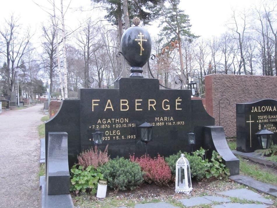 Могила Агафона, Марии и Олега Фаберже на православном кладбище в Хельсинки