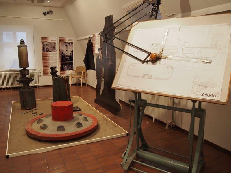 Музейная экспозиция, посвященная заводу, напоминает нашу Галерею промышленной истории
