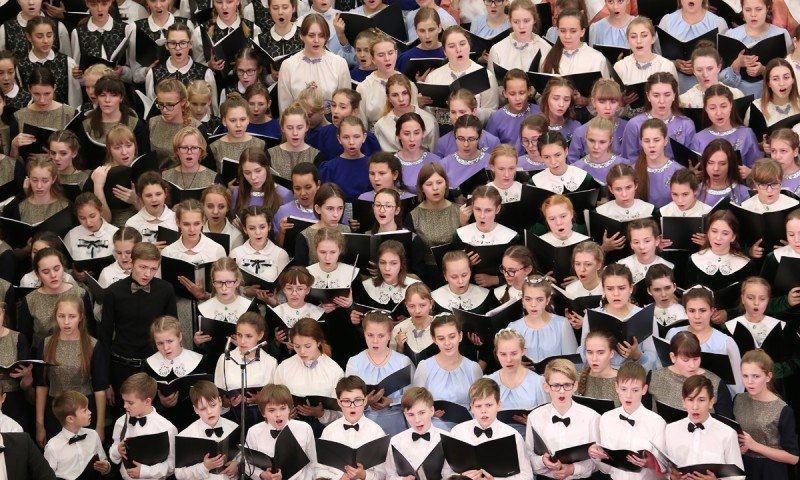 В сводном хоре фестиваля более тысячи человек!