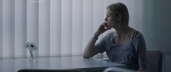 """Кадр из фильма """"24 недели"""""""