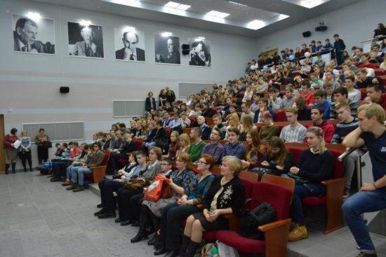 День открытых дверей на физтехе ПетрГУ. Фото petrsu.ru