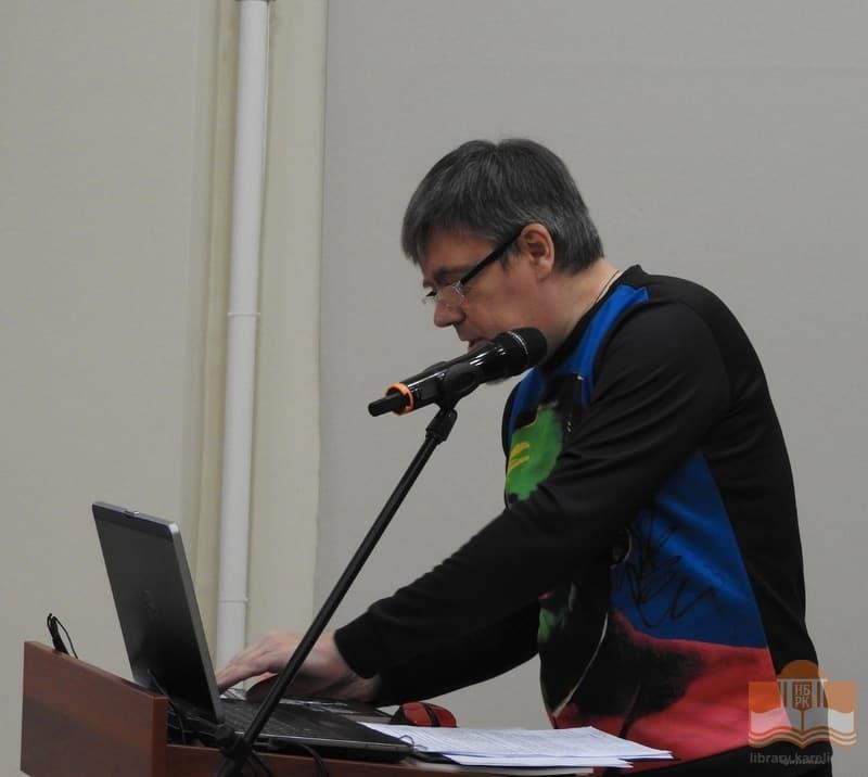 Новый  выпуск альманаха «Сердоболь» представил редактор Виталий Рыстов