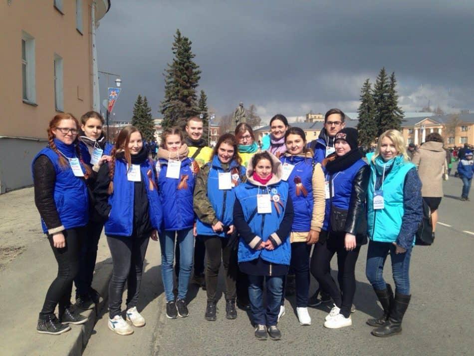 Волонтеры в День Победы