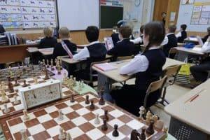 В начальной школе появится обязательный урок шахмат
