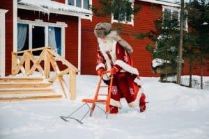 Ну кому может не понравиться такой  Дед Мороз!