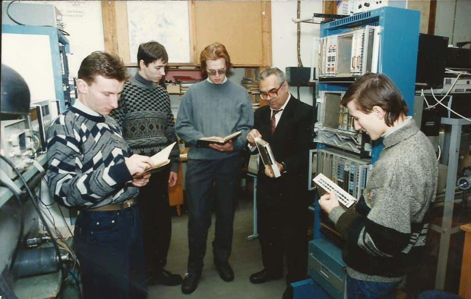 Анатолий Диамидович Хахаев со студентами