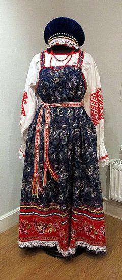 Алексей Медведев. Пудожский народный костюм. Лен, ситец, шитье, вышивка